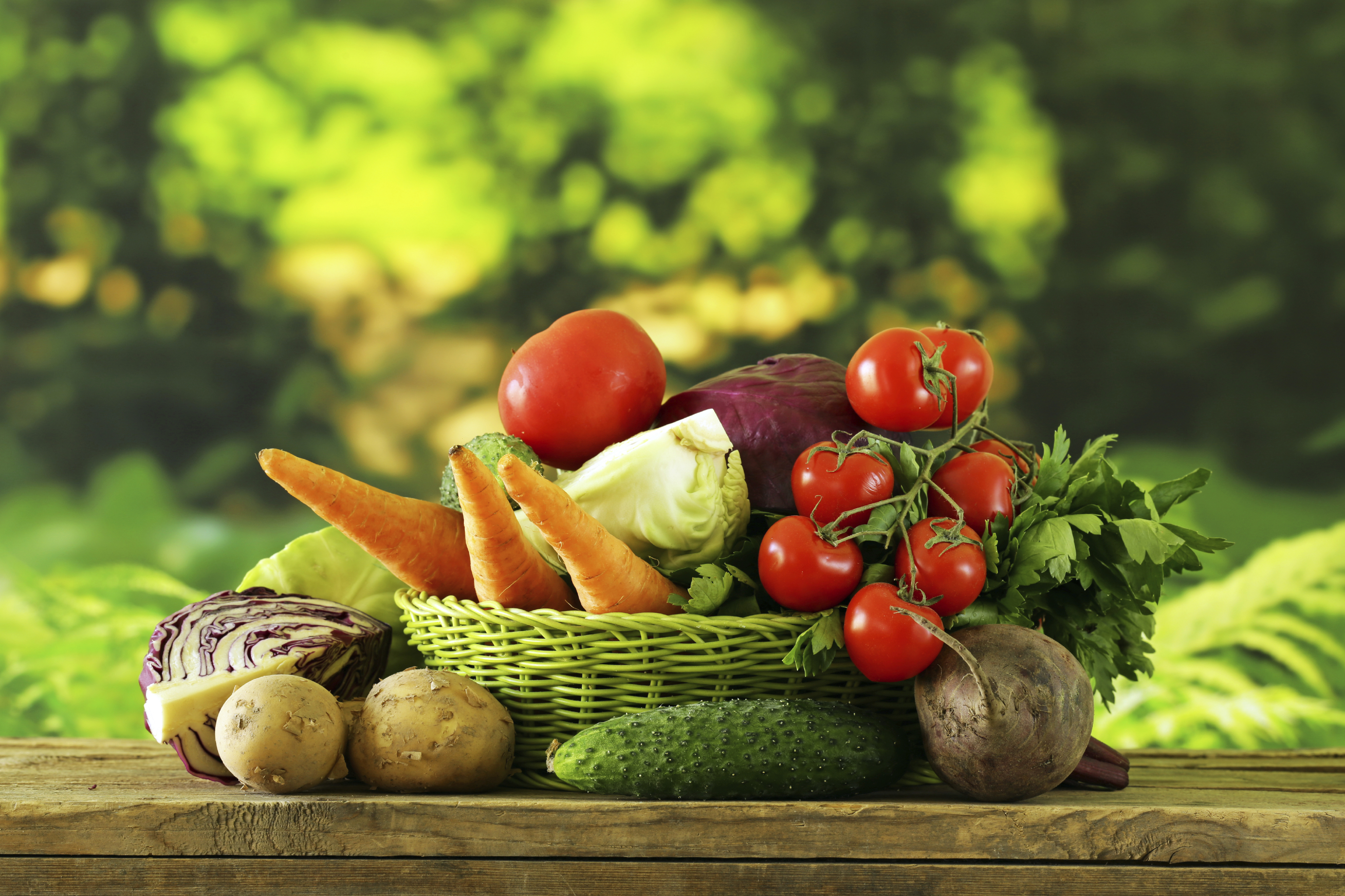 stock-photo-63105595-various-vegetables-carrots-potatoes-cabbage-tomatoes-in-basket