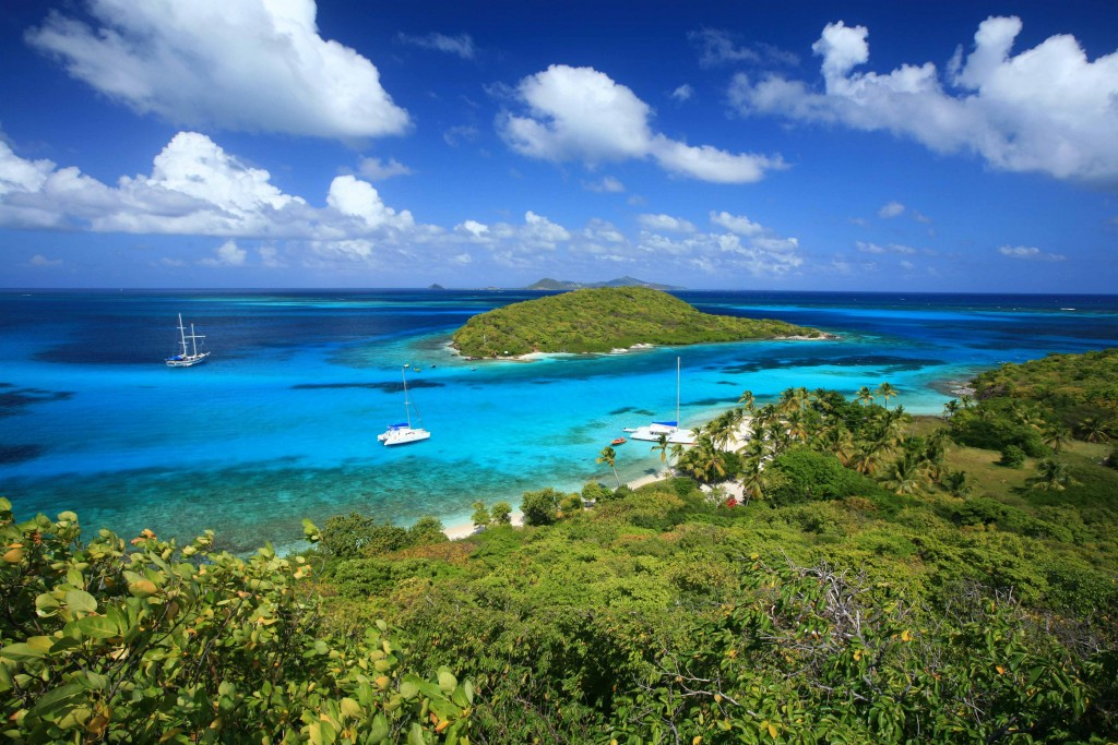 Beautiful turquoise waters of the Caribbean viewed from atop Tobago Cays.