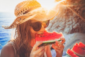 Health Hints: Eating Healthy On Vacation | RTX Traveler Issue 14