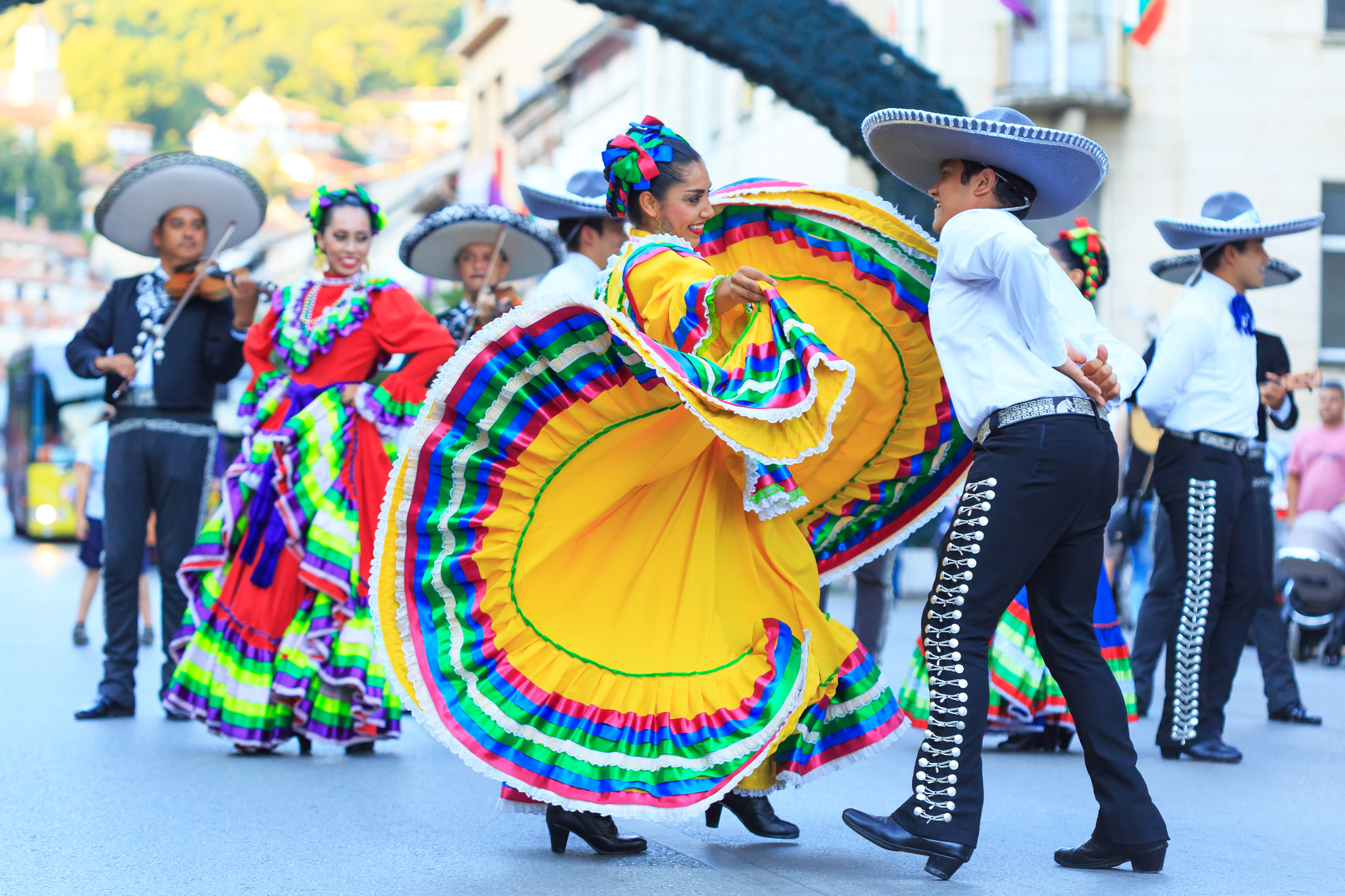 an overview of the typical rural mexican culture American culture is a diverse mix of customs and traditions from nearly every region of the world here is a brief overview of american holidays, food, clothing and more.