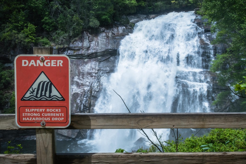 Waterfall Safety Sign (1)